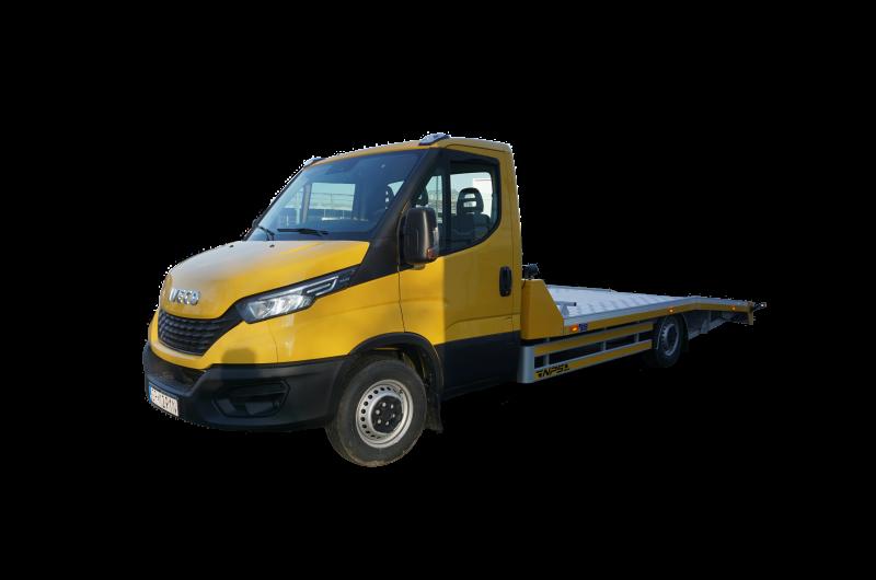 Ein gelber Iveco Daily 35c18 mit Premium Rampen